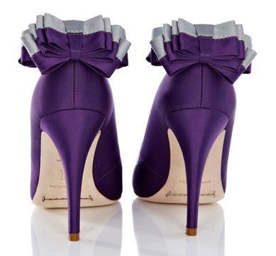 Google Image Result for http://www.shoeperwoman.com/wp-content/uploads/2011/03/karen-millen-bow-heels.jpg