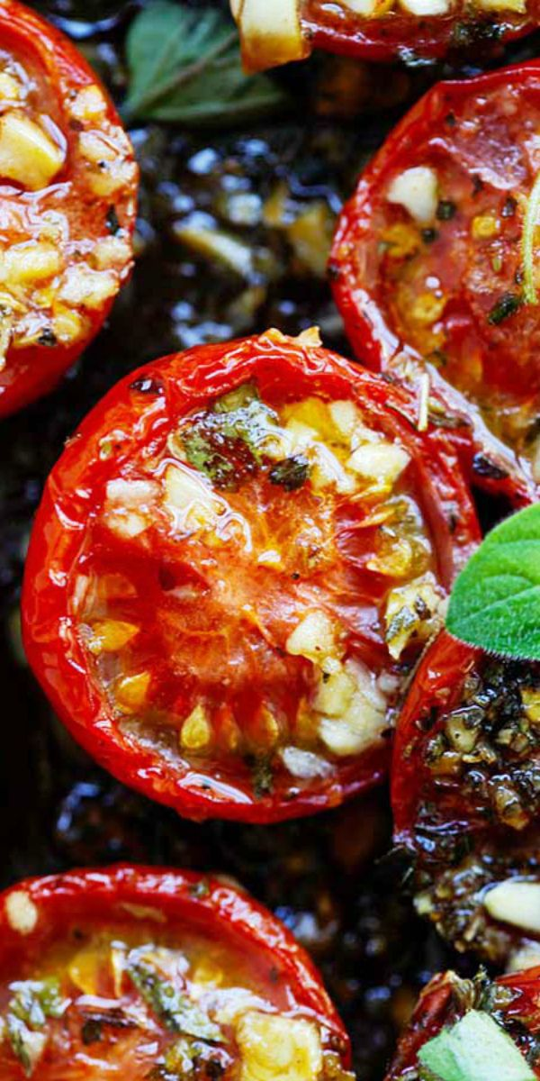 Italian Roasted Tomatoes - the best roasted tomatoes recipe with garlic, olive oil, Italian seasoning and oregano, takes only 10 mins to prep | rasamalaysia.com