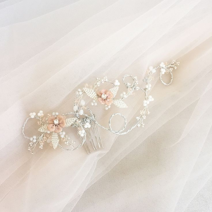 What did we do here? Well, a very special #accessory for one of our dear clients. What do you think about it? #Bridal #lovehimbeforeyousayyes