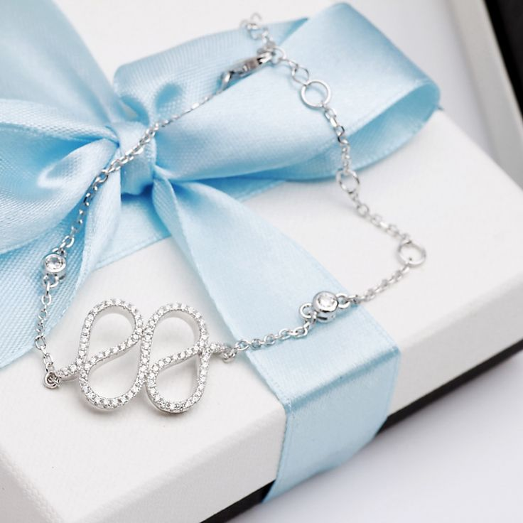 Bransoleta srebrna zdobiona cyrkoniami - Biżuteria srebrna dla każdego tania w sklepie internetowym Silvea