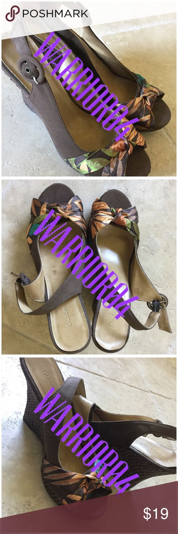 Charlotte Russe Floral Brown Bow Wedges Size 8 Charlotte Russe Floral Brown Bow Wedges Size 8  gently used condition  these are my sisters and they do not fit me. Charlotte Russe Shoes Wedges