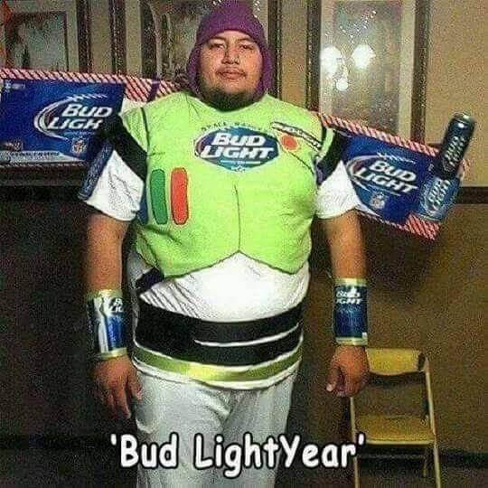 Mi héroe favorito Bud LightYear