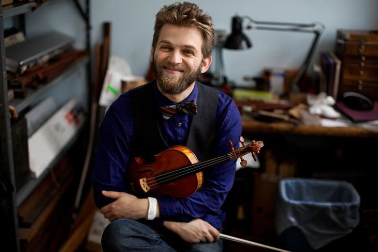 New York friends: this Saturday, Johnny plays all six of Bach's sonatas and partitas for solo violin at Brooklyn's Bargemusic! You can read all about Johnny's Bach tour in the Boston Globe.