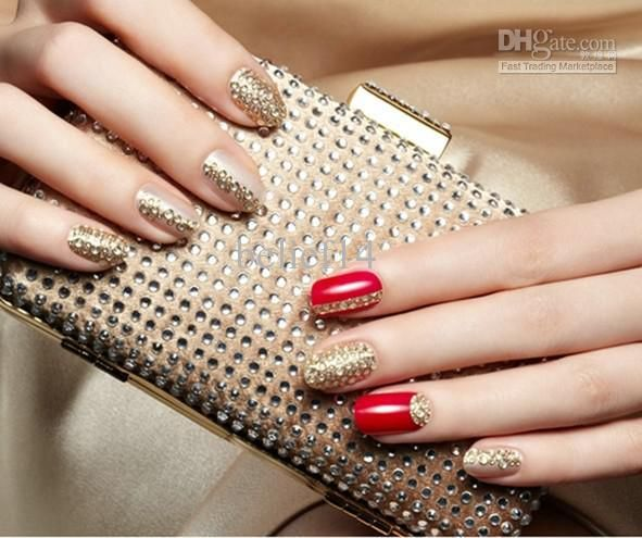 Uñas elegantes dorado y rojo - Golden and red elegant nails