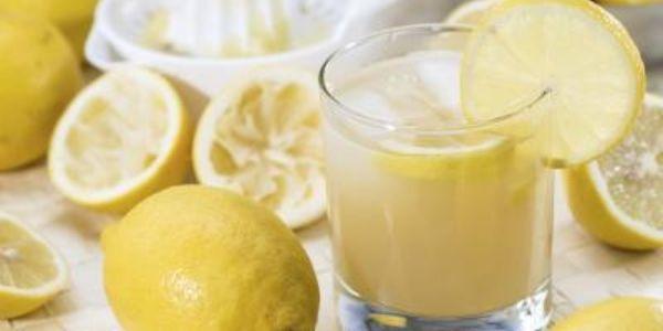 10 bevande che aiutano a perdere peso