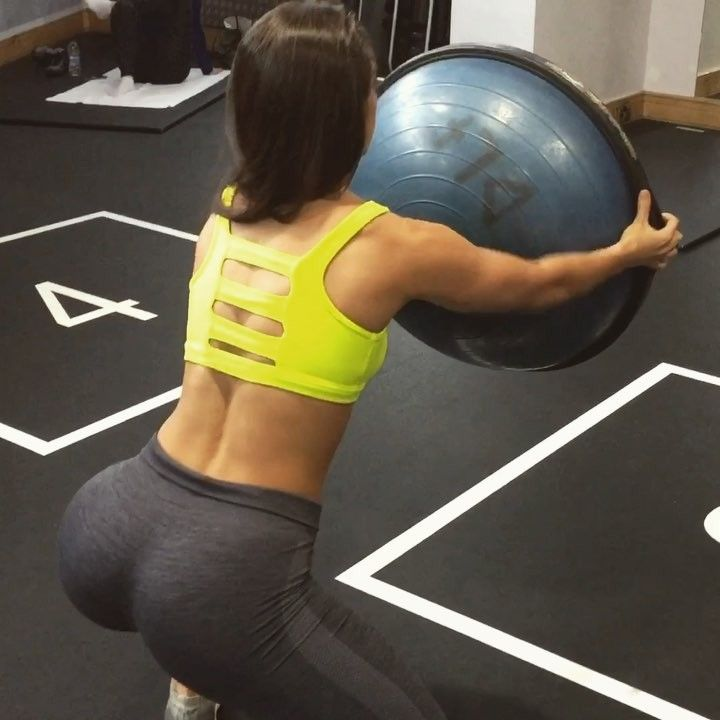 "Stefanie Williams on Instagram: ""#happyhumpday bosu ball workout, if you want to get the most out of your session and don't have the time to go to machine to machine, or…"""