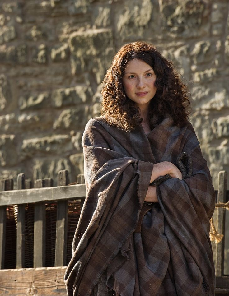 Claire Fraser (Caitriona Balfe) in Lallybroch from OUtlander on Starz via http://www.farfarawaysite.com/section/outlander/gallery14/gallery.htm