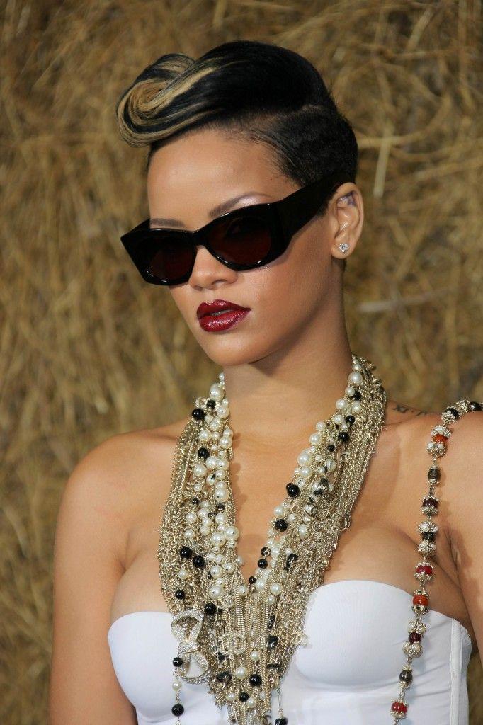 Best 25+ Rihanna short haircut ideas on Pinterest | Hair ...