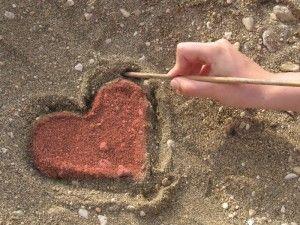 Kalp resimleri  En güzel Kalp resimleri Bu makalemizde en güzel kalp resimlerini paylaştık kalp resimleri günlük hayatımınızda sevginin ve aşkın simgesi olarak görülmektedir
