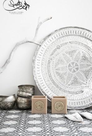 Een serene sfeer met mooi marokkaans dienblad.