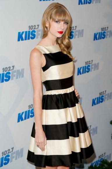 vestido branco e preto - Pesquisa Google