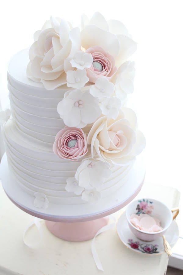 Wedding Cakes that are Elegantly Simple