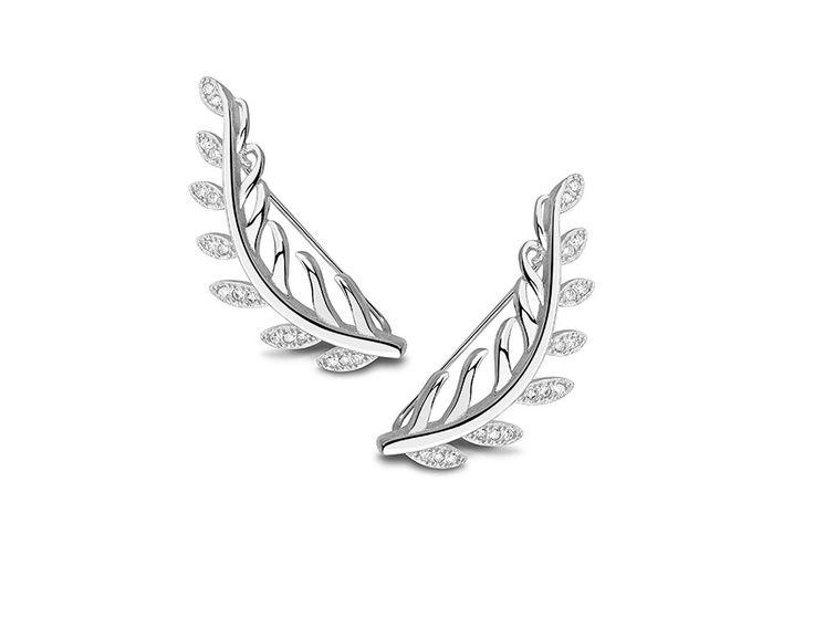 Aros  - Plata 925 con Zirconia  Aros de plata 925 en forma de hojas. Terminacion de rodio protege la superficie y agrega el lustre. Microsetting de las zirconias asegura el mayor cantidad de las piedras unacerca de la otras y contribuye al efecto del brillo impresionante.Cierre tipo ear-cuff.