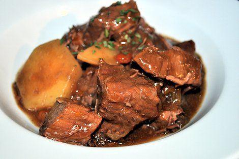 Recipe: Slow-cooked steak and potato casserole - Yahoo Lifestyle UK