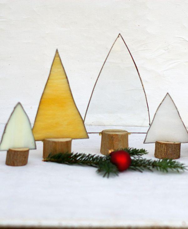 weihnachtsdeko mit tannenbäumen aus glas  tiffany glas