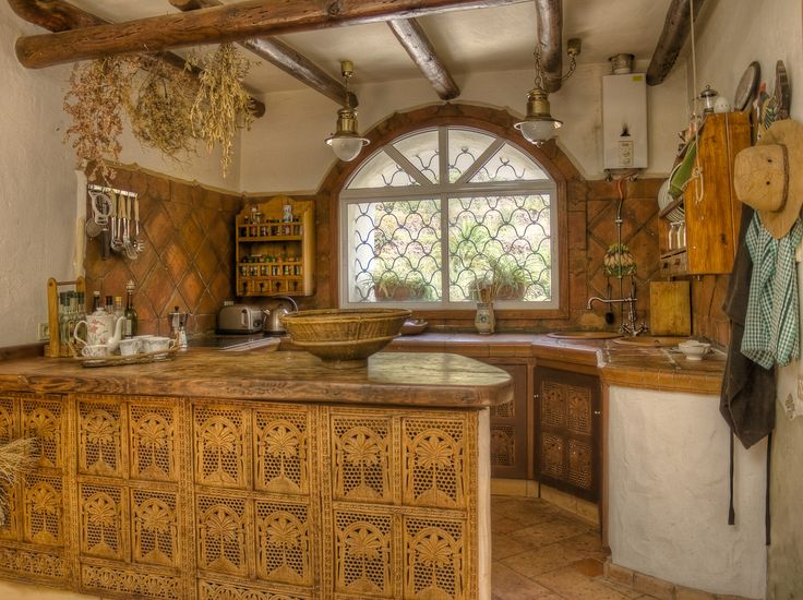 kitchen cabinets made of recycled indian paravent. Valley of Agaete, Gran Canaria