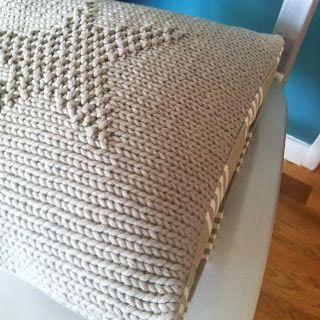 Un joli coussin au tricot