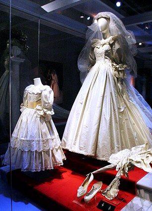 Vestido de novia de la princesa Diana de Gales. -  Princess Diana of Wales wedding dress.