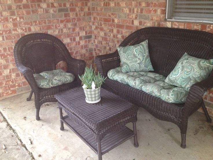 Hand me down white plastic wicker patio furniture spray painted  espresso    Cushions from Pier Plant from Home Depot  Plant pot from Target. 38 best Painting Plastic Furniture images on Pinterest   Plastic