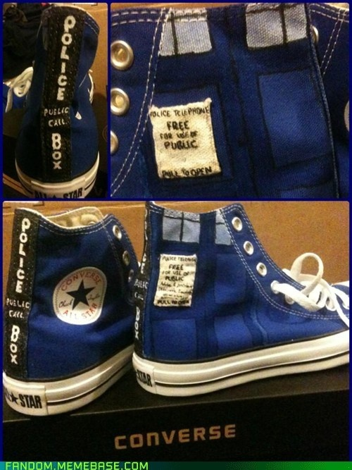 Tardis Converse for @MarisaGonzalezMabbutt and @ElizabethBarrientes :D
