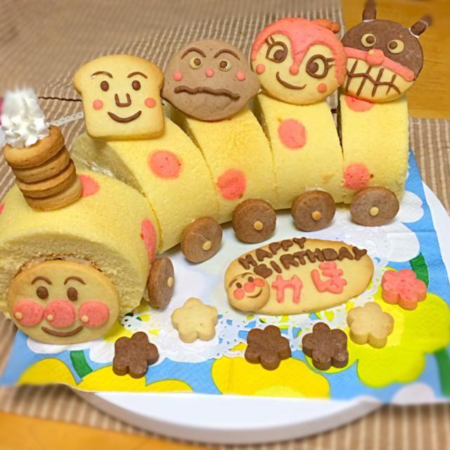 娘の2歳の誕生日に作りました*\(^o^)/* クックパッドID2590330を参考にしています! 娘が喜んでくれたので良かった良かった(*^^*) - 48件のもぐもぐ - アンパンマン誕生日ケーキ by makky0429