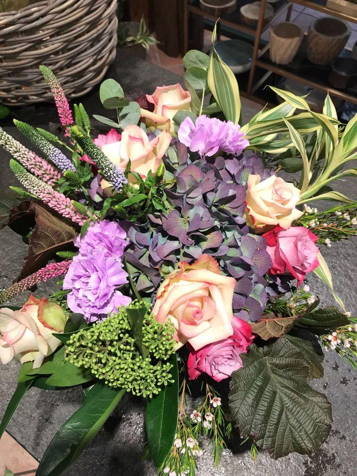 Oltre 25 fantastiche idee su tonalit di viola su - La rosa racconta la vita dei divi ...