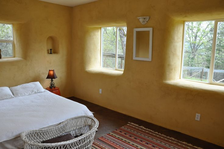 straw bale interiors - Bing Images great for a guest room