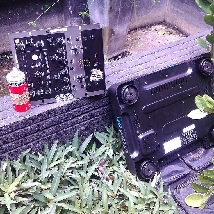 #mixer #numark #x6 #turntable #turntablism #stanton #spray #standard by im_dj_a_ http://ift.tt/1HNGVsC