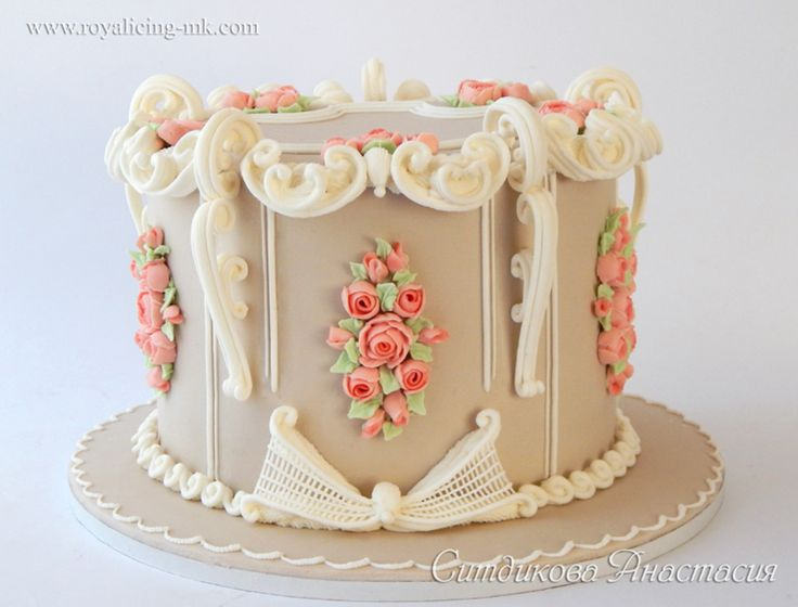 17 best ideas about royal icing cakes on pinterest how to know how to store and royal frosting - Decoration gateau glacage royal ...