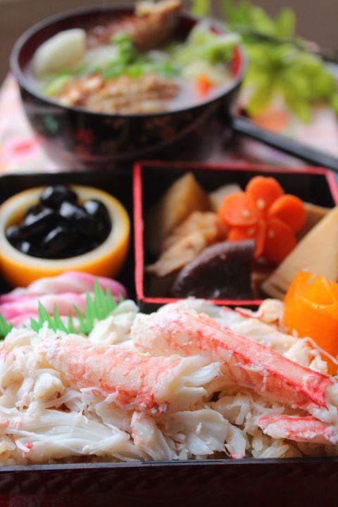 Japanese Bento with Crab Meat on Rice かに飯弁当