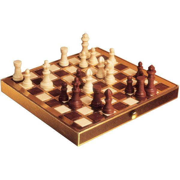 Jogo de xadrez de chocolate | Chocolatras Online http://chocolatrasonline.com.br/jogo-de-xadrez-de-chocolate/