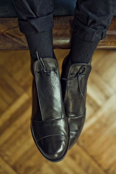 not just these succulent little boots, these subtly patterned tights & rolled up trousers.