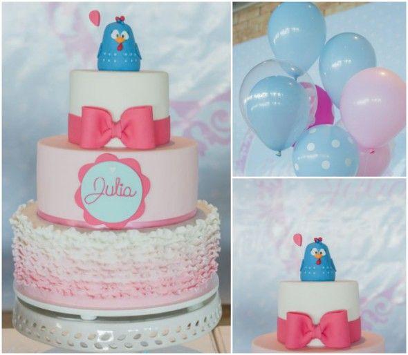 Olha só que charme esse bolo da galinha pintadinha rosa
