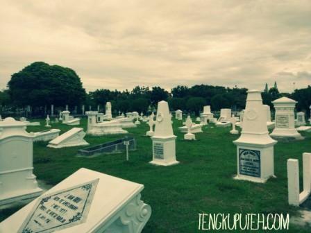 PEUCUT KHERKOFF, ACEH-DUTCH WAR MONUMENT   Tengkuputeh