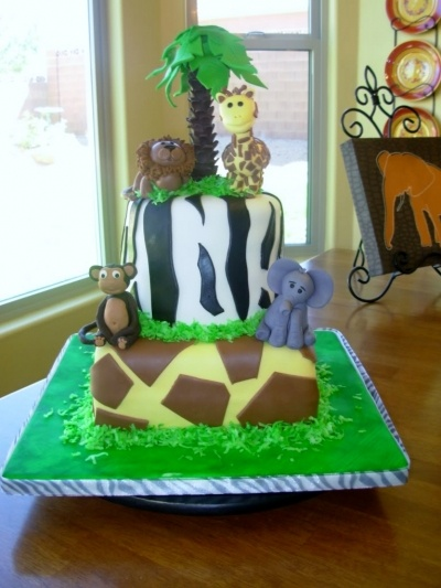 Baby Zoo Animal Cake By mommieshobbies on CakeCentral.com