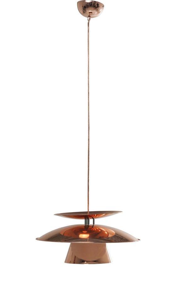 """Kupfer voll im Trend.    Die Hängelampe Flying Saucer stellt für den einen die namensgebende """"Fliegende Untertasse"""" dar, ein anderer assoziiert mit der Lampe eine umgedrehte Kaffetasse mit eben jener Untertasse. Egal was diese Lampe im..."""