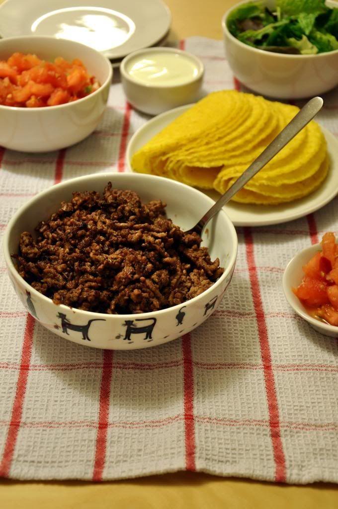 Tacos z mielona wolowina i salsa cruda