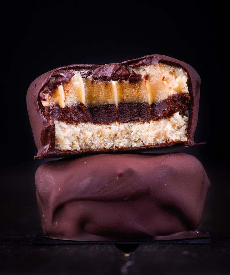 Almost A Chunky Caramel Kit Kat. Simple and delicious! Free from gluten, grains, egg and refined sugar. Enjoy!