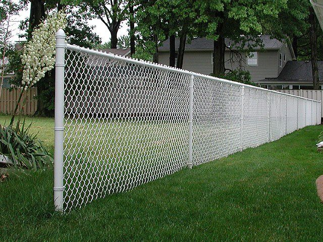 Colored Vinyl Chain Link Fence And It S Visual Appeal Painted Chain Link Fence Black Chain Link Fence Chain Fence