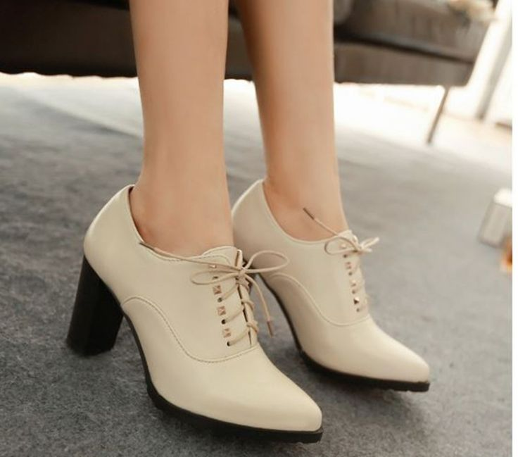 #peeptoes #outfit #brownish #offwhite #fashion #style #statement #pumps