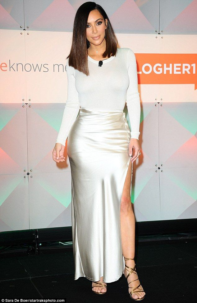 Sexy new 'do: Kim Kardashian flaunted a shorter 'so at the #BlogHer16 Experts Among Us Conference in Los angeles on Friday but later revealed it's just a wig
