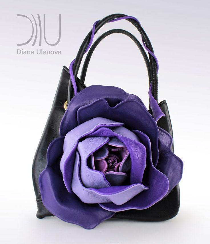 GÜL KLASSİK - DİANA ULANOVA «GÜL»Boyutlar : 47/30 cm.Açıklama: Kapasitesi büyük ve rahat bir çanta, içinde bir.... 299346