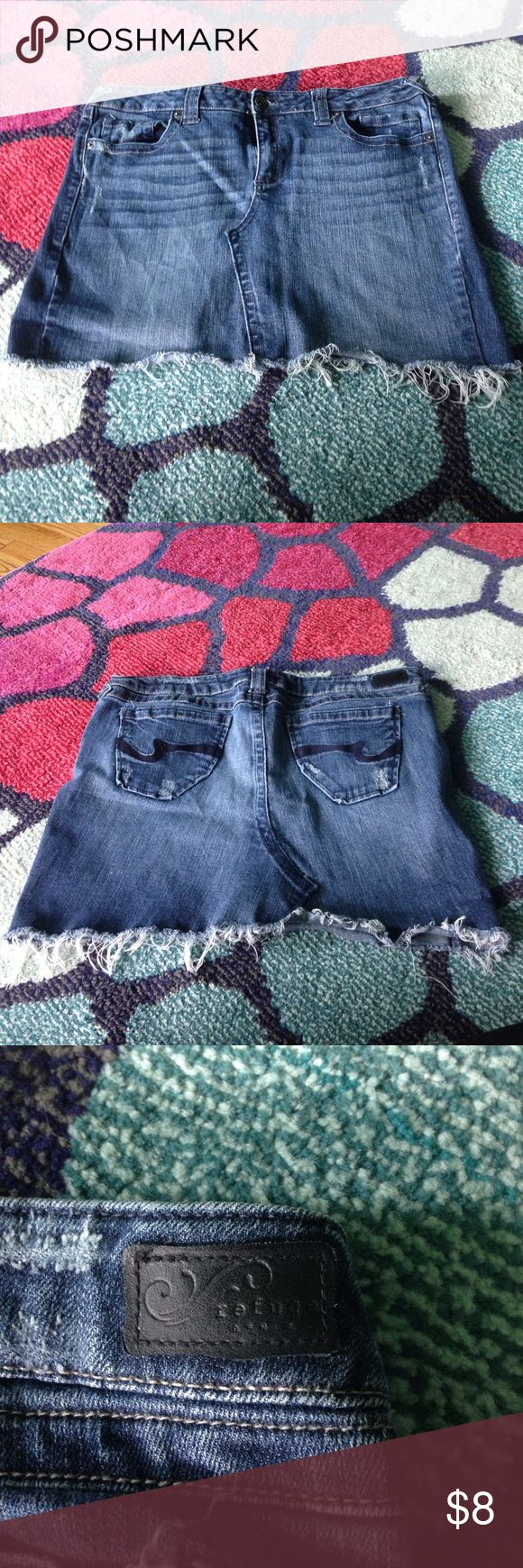 Distressed jean skirt Jean mini skirt. Distressed look with fringe bottom. Great condition. refuge Skirts Mini