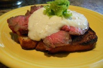 and horseradish cream crostini with steak and horseradish cream cream ...