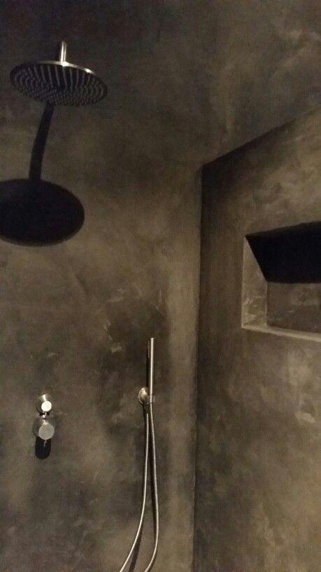 Hamsmade interiors badkamer zwarte tadelakt