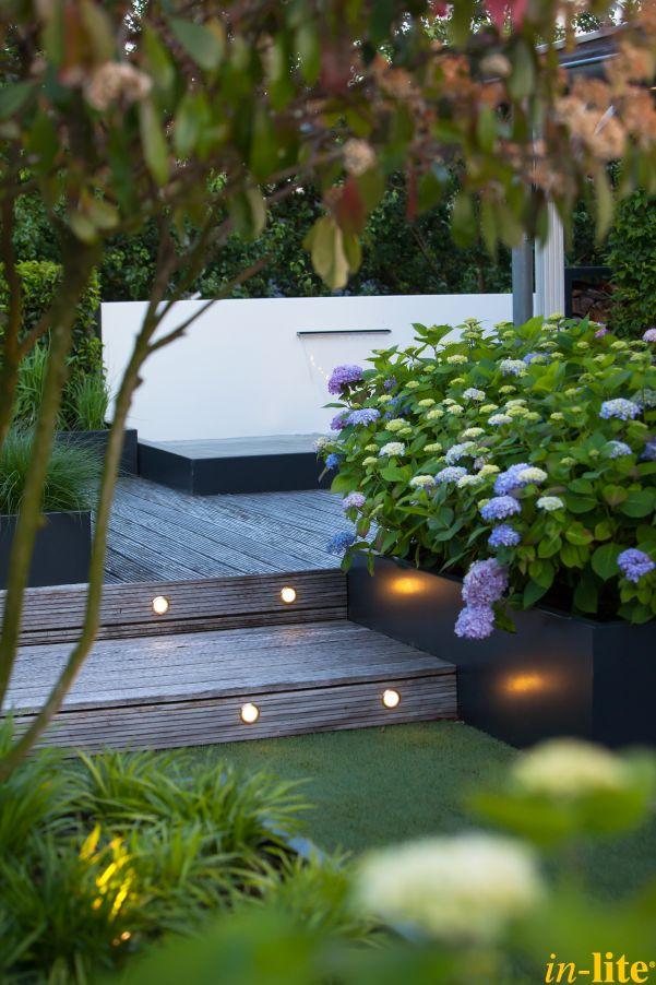 Veiligheid voorop | Afstap | Vlonder | Tuinverlichting 12V | Grondspot HVYE | Inspiratie | Outdoor lighting