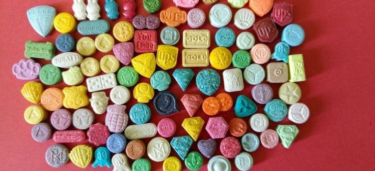 Sélection de pilules d'ecstasy en 2015. © mdmateam.com