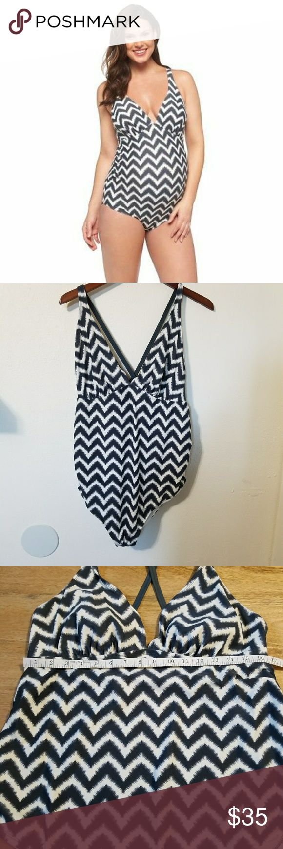Liz Lange Chevron Maternity One Piece Swimsuit XL Chevron printed swimwear one piece with cross back straps. Ruched sides. Tagged as a size large, please see measurement photos. Like new condition. Liz Lange Swim One Pieces