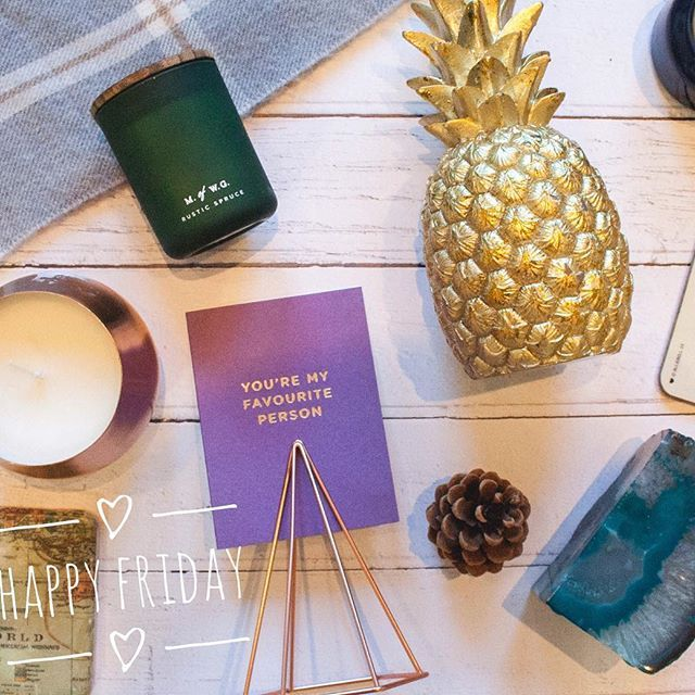 It's Friday! 🙌🏽 No better way to celebrate on this autumnal day than with candles, crystals and gold pineapples! 🍍 So many great homeware items in @homesense_ukie and @tkmaxx. Good news, Home Sense are opening a new store! The new Maidstone store can be found within the existing TK Maxx on St. Peter's Retail Park and will open tomorrow, 28th October at 9am. #ad #homesenseforless #treasureseeker