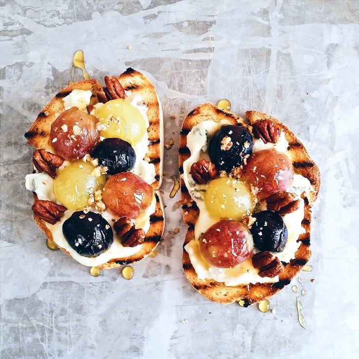Toasted bread topped with gorgonzola cheese, pecans and grape -☆ Recipe and directions only on Instagram. Follow me! -  Bruschetta con gorgonzola, noci pecan e uva | Ricetta solo sul mio profilo Instagram ☆ Seguimi ♡